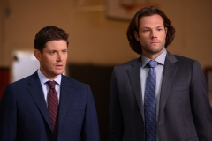 """Supernatural -- """"Atomic Monsters"""" -- Image Number: SN1501b_0190r.jpg -- Pictured (L-R): Jensen Ackles as Dean and Jared Padalecki as Sam -- Photo: Diyah Pera/The CW -- © 2019 The CW Network, LLC. All Rights Reserved."""